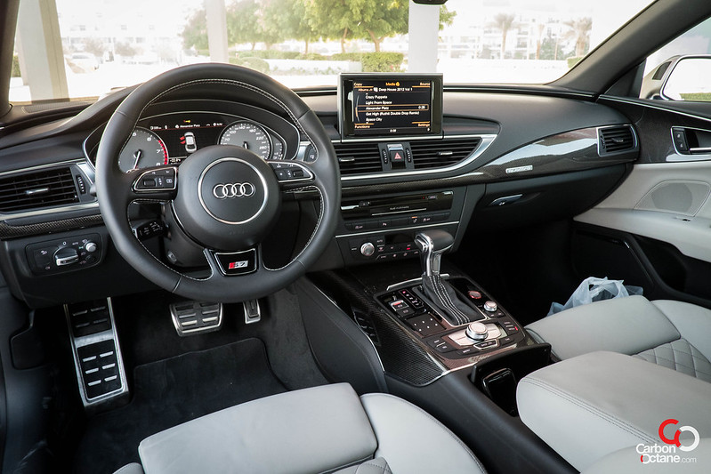 2013_Audi_S7-27.jpg