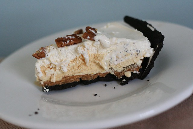 Oreo Cookie Butter Pumpkin Ice Cream Pie