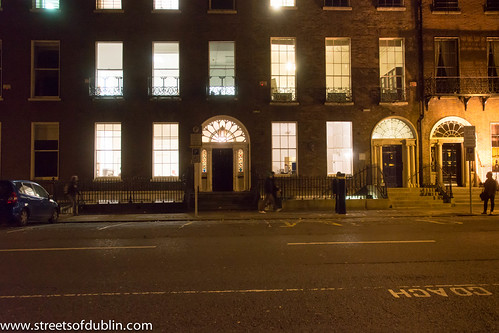 The City Of Dublin At Night: Merrion Square by infomatique