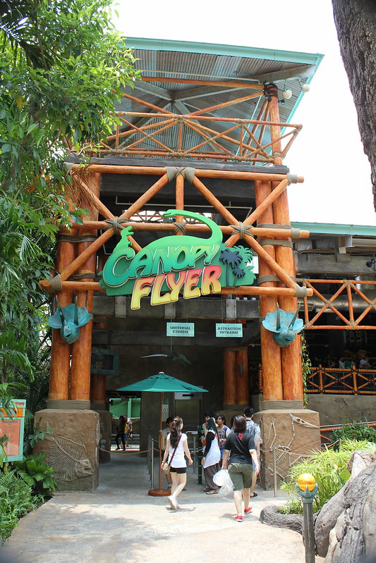 Universal Studios Singapore - The Lost World