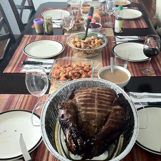 #kvpinmybelly : #Thanksgiving feast w/ smoked turkey & @markp93 @CateCauguiran