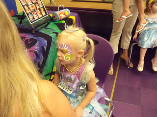 Kaitlyn - 3 getting face paint - 07-17-10