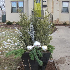 Outdoor Spruce Top Decoration