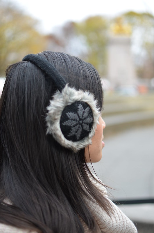 black snowflake knit furry earmuffs