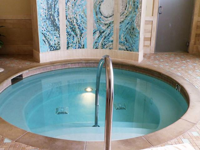 hot tub at the Del