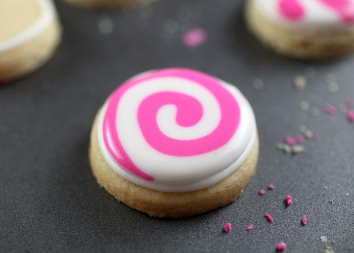 Peppermint Candy Sugar Cookies – bakerella com