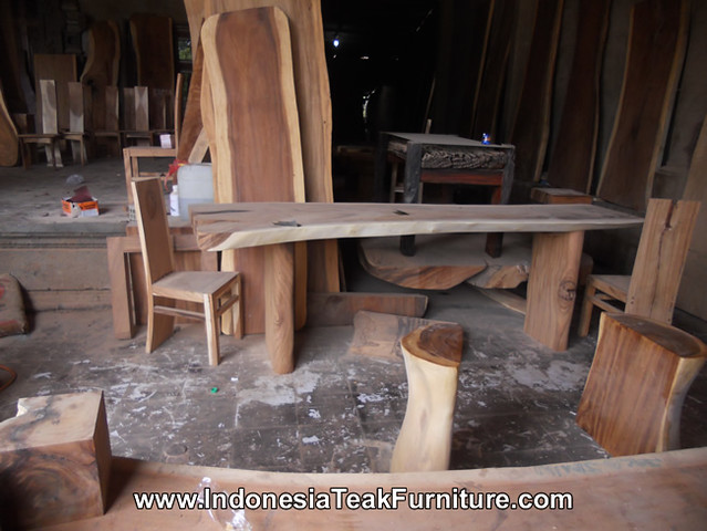 Dining table suar solid wood bali large suar wood dining for Chinese furniture gumtree perth