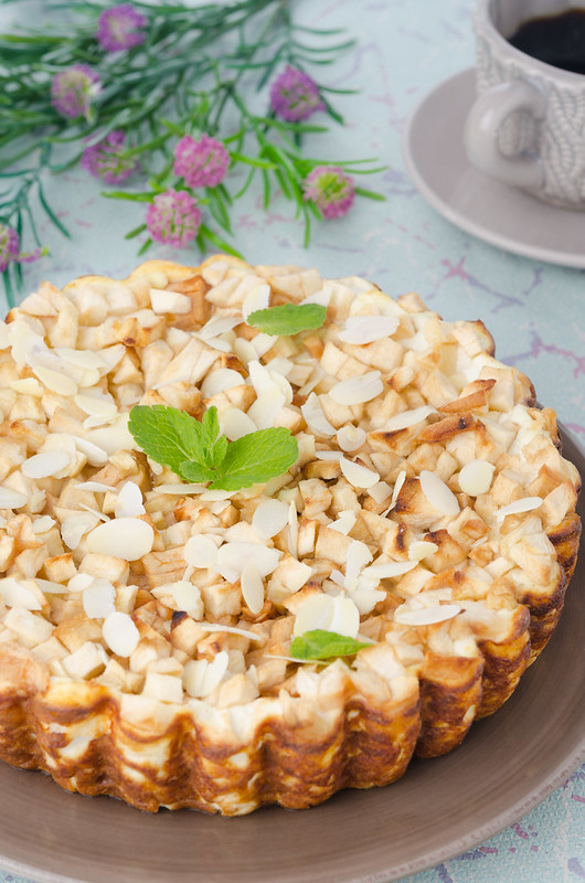 Cottage cheese pie with apples_