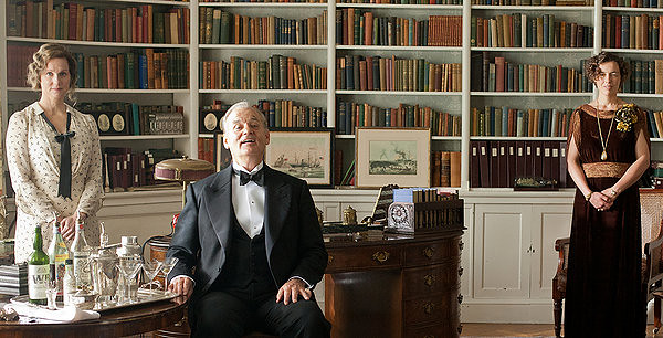 Laura Linney, Bill Murray and Elizabeth Wilson create a unique presidential family in HYDE PARK ON HUDSON.