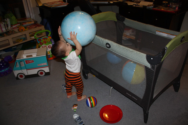 Playing wih Playpen + Balls