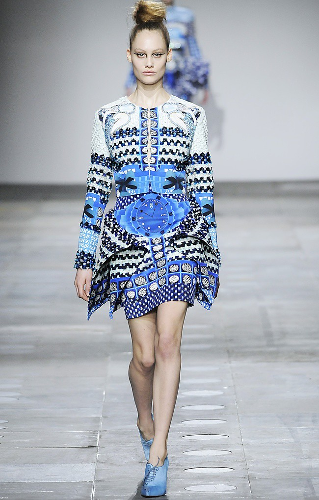 3 Mary_Katrantzou_AW12_Catwalk_Look_22_Photographer_First_View