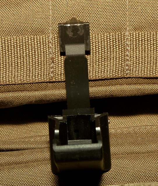 Tavor TAR21 bolt hold open