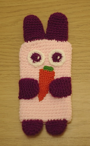 amigurumi #86 M iPhone cosy 1