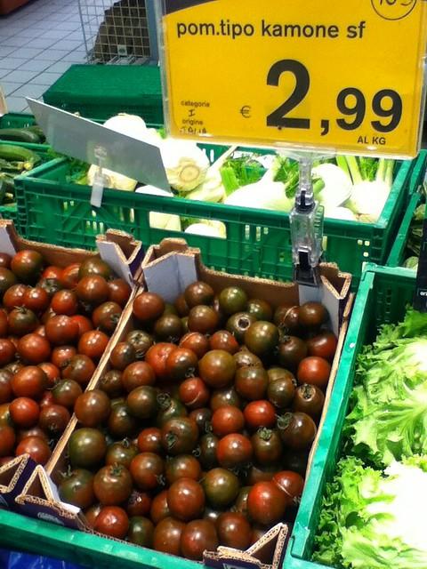 Tomato 2.99 Euro/kg