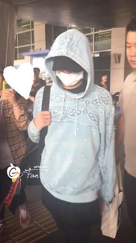 BIGBANG arrival ICN Seoul from Taiwan 2015-09-28 (34)