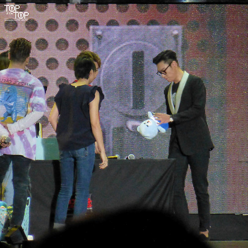 TOP_oftheTOP-Hong-Kong-BIGBANG-FM-Day-3-evening-2016-07-24-05