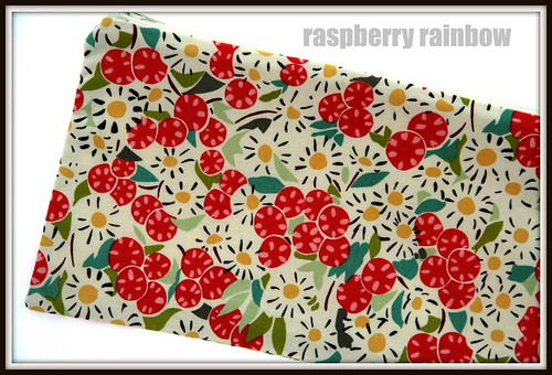 Flowers fabric zippered pouch.