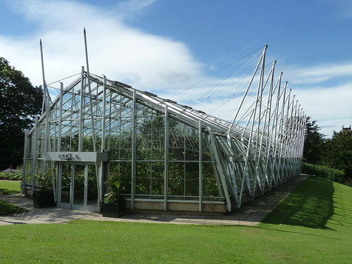 One of Chatsworth's greenhouses ...