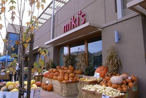 Miki's Farm Fresh Market