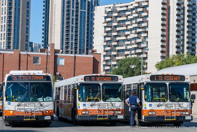 Троица - автобусная станция в Торонто