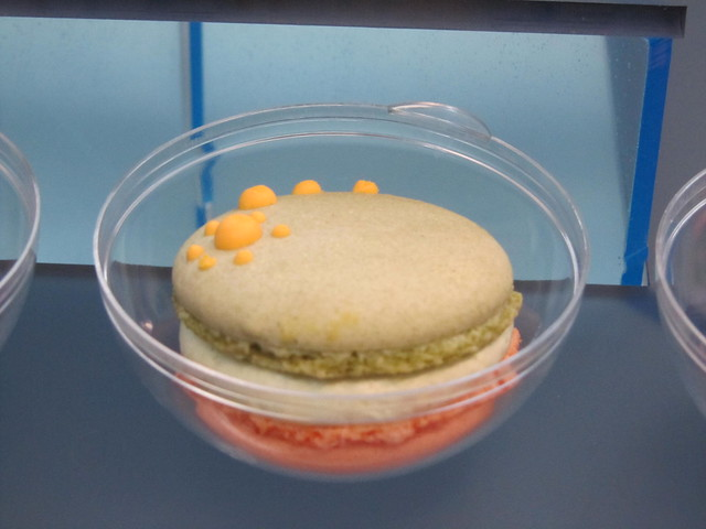 On Cafe's macarons
