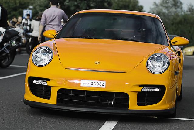 Orange Porsche 997 GT2