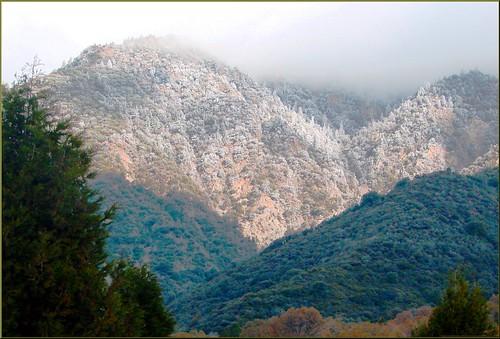 trees usa snow mountains fall clouds america fallcolors harvest fences foliage farms apples farmbuildings appleorchards oakglenca earlyamericana dgrahamphoto
