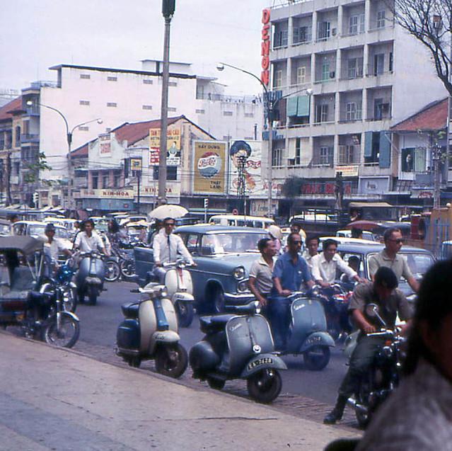 Saigon 1968 - Le Loi Avenue