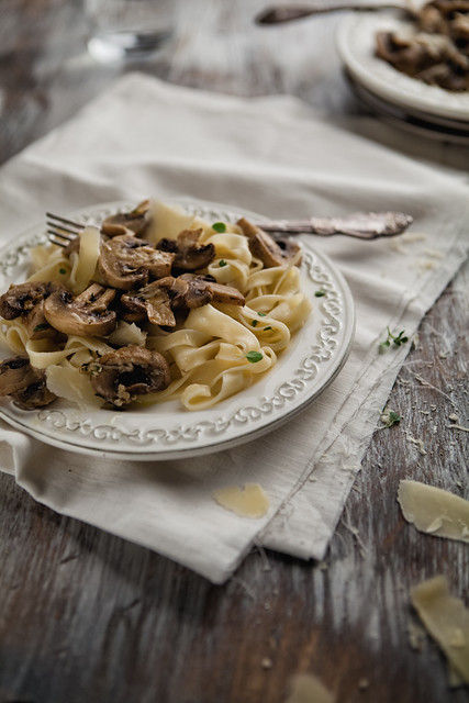 [327/366] Fettuccine With Baked Mushrooms