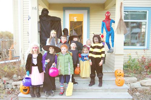 day 3042: the 2012 halloween crew! I.