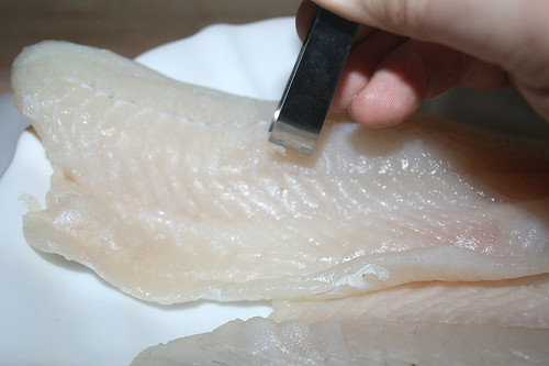 23 - Gräten entfernen / Remove fish bones