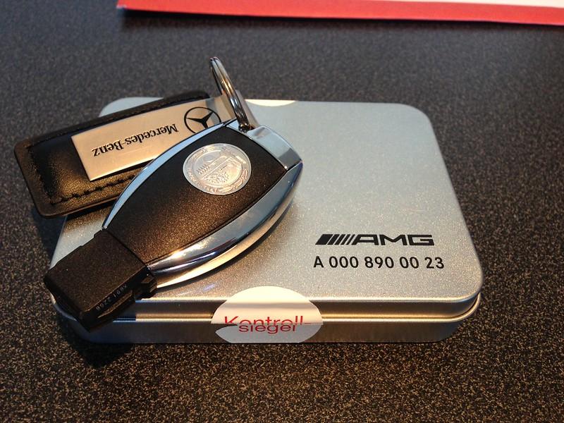Amg affalterbach logo key cover mercedes a class forum for Mercedes benz amg key fob back cover