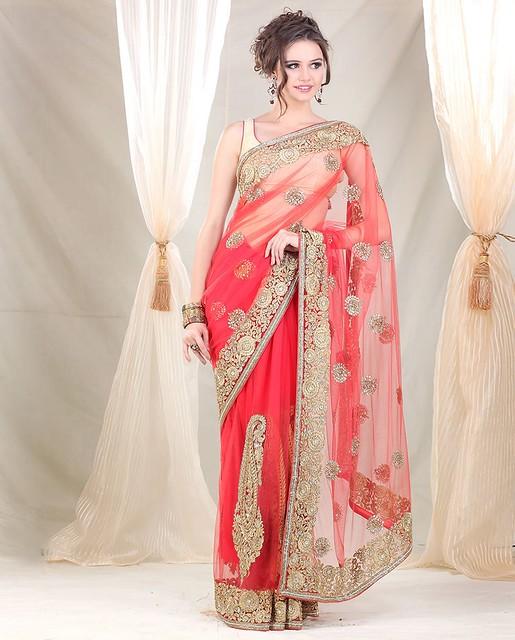 Meena Bazaar Bridal Saree With Paisley On Ghera At Bigindianwedding