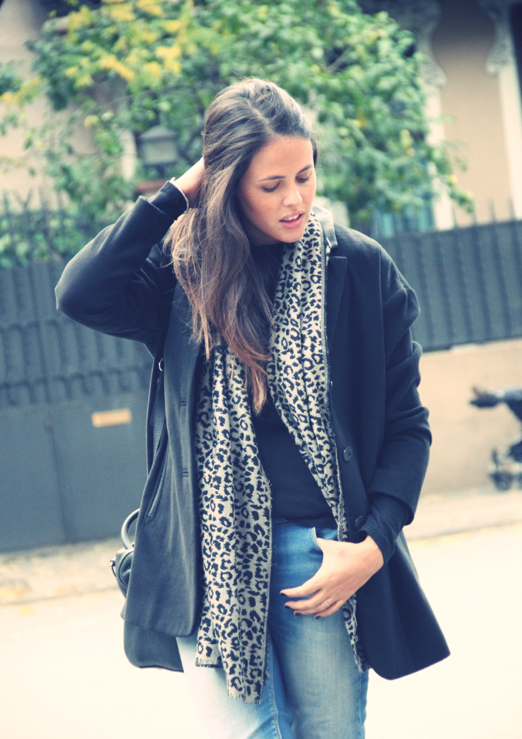 Look denim + black + Animal print