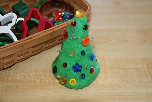 Christmas Tree Playdough Activity (Photo from Counting Coconuts)