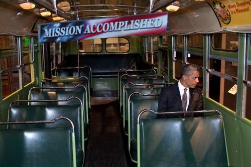 Obama-on-bus1
