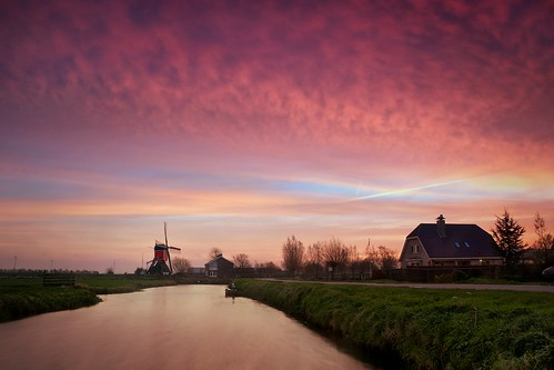 longexposure autumn light sky building mill nature netherlands windmill dutch field clouds sunrise landscape outdoors dawn landscapes canal nikon exposure day colours outdoor thenetherlands meadow farmland polder molen leadinglines groenehart hazerswoude landscapephotography d90 skylovers rooiewip gemeneweg cmartijnvdnat