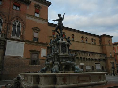 DSCN3549 _ Fontana del Nettuno, Piazza del Nettuno, Bologna, 17 October