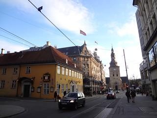 Rua no centro de Oslo, Noruega