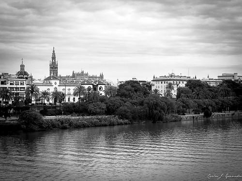 Frente al rio by Carlos_JG