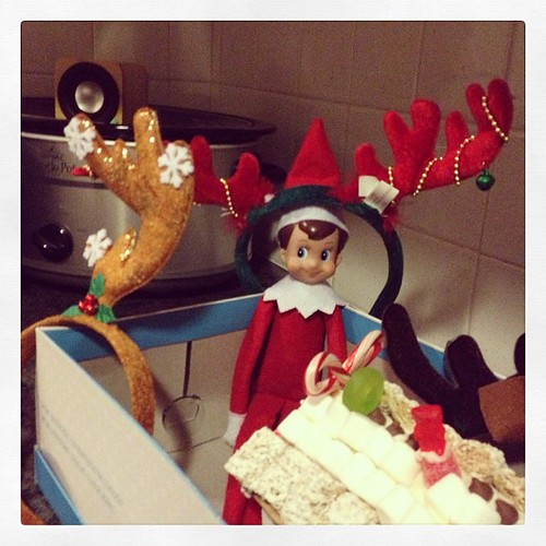 Snowball the reindeer?? I little gift for the kiddos #elfontheshelf