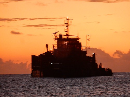 tuvalu funafuti ships sunset silhouette togetherness