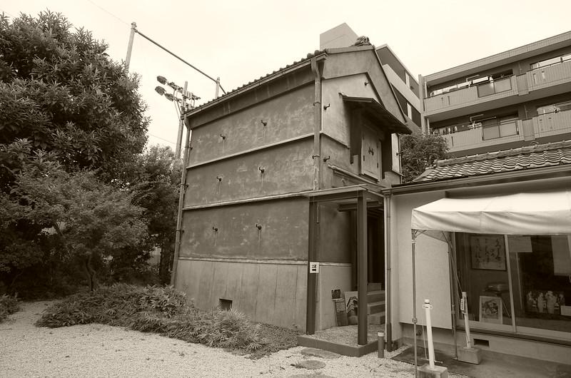 旧江戸川乱歩邸土蔵(幻影城)白黒
