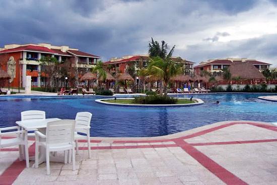 pool-resort