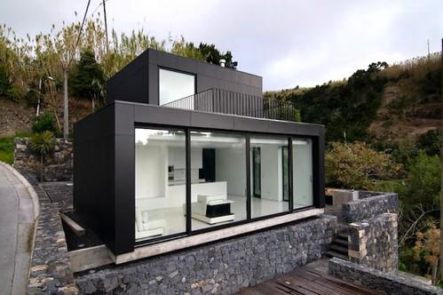 N2X035 - модульный дом на солнечной энергии из Португалии