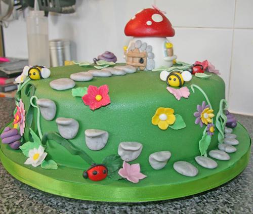 Fairy garden cake cake ideas and designs for Fairy garden birthday cake designs