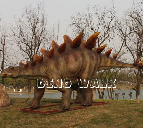 Life Size Simulation Dinosaur in the outdoor