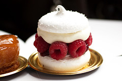 raspberry pavlova @ dominique ansel