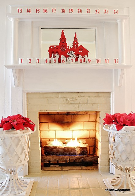 Christmas-Mantel via Thistlewood Farm
