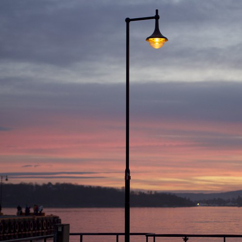 sunset sea color lamp oslo reflections evening harbour □squarefotografiasparaenmarcar□1006